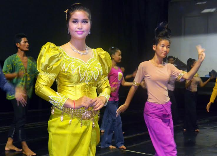 Things to do in Siem Reap: Apsara dance training